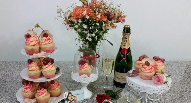 Especial: Cupcakes de Champagne, frambuesas y rosas.