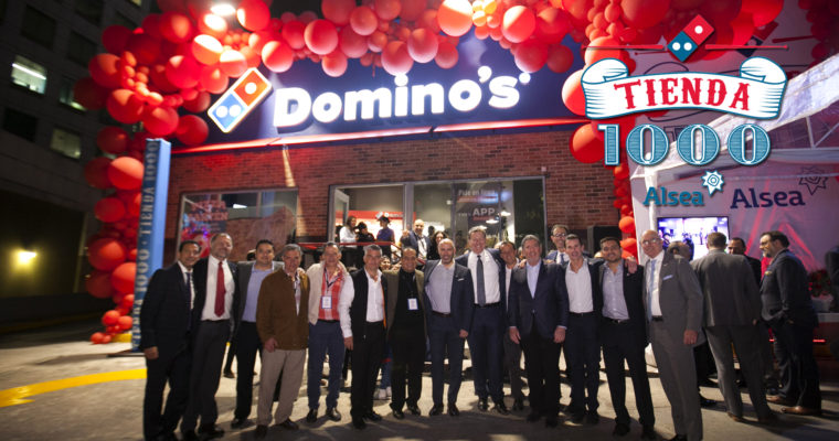 Alsea celebra la apertura de la tienda 1000 de Domino's.